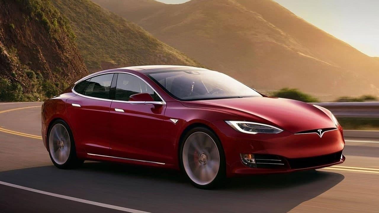 В компании Tesla нашли как добиться легализации автопилота в ЕС