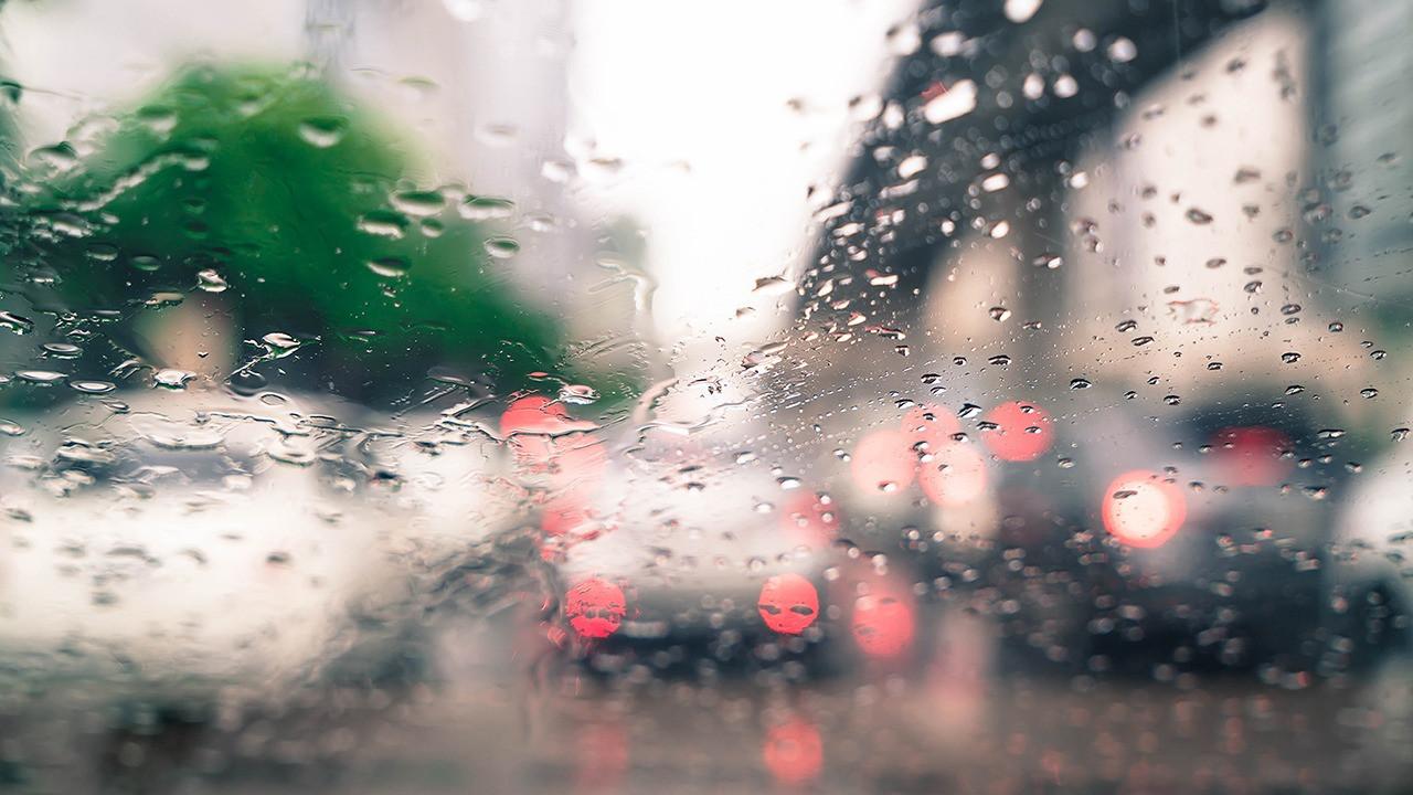 Почему потеют стекла в машине и что с этим делать