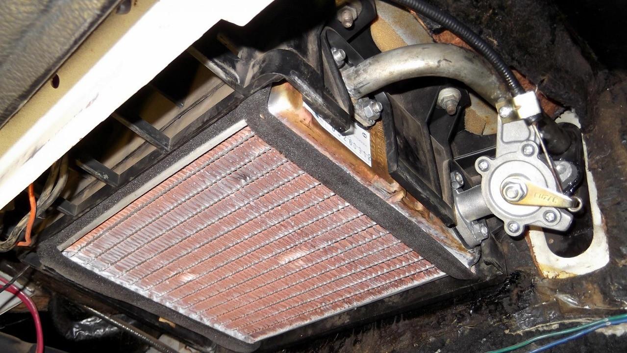 Как промыть радиатор печки своими руками без снятия