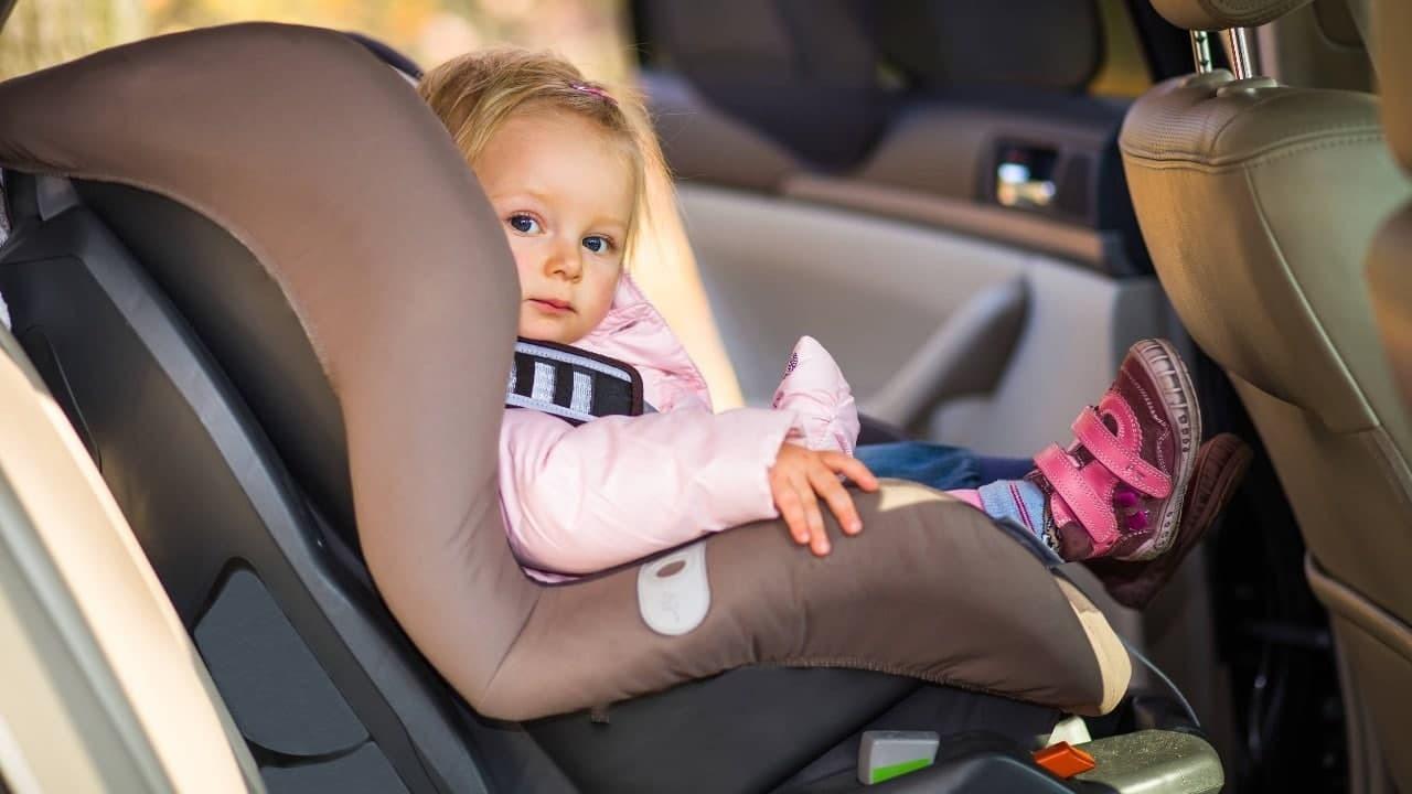 В Украине ввели новые требования перевозки детей в автокреслах